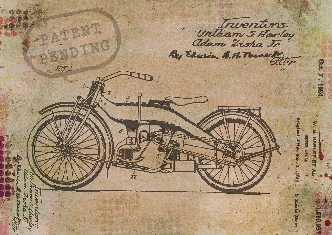 motorcycle-1515873_1280